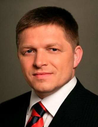 Robert Fico, portrait officiel du gouvernement, en 2014