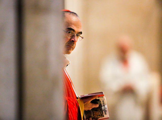 Pédophilie : le cardinal Barbarin accusé de silence