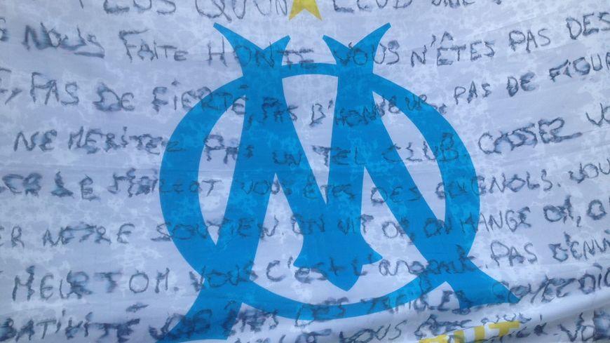 La colère des supporters marseillais sur une banderole pour OM / Rennes