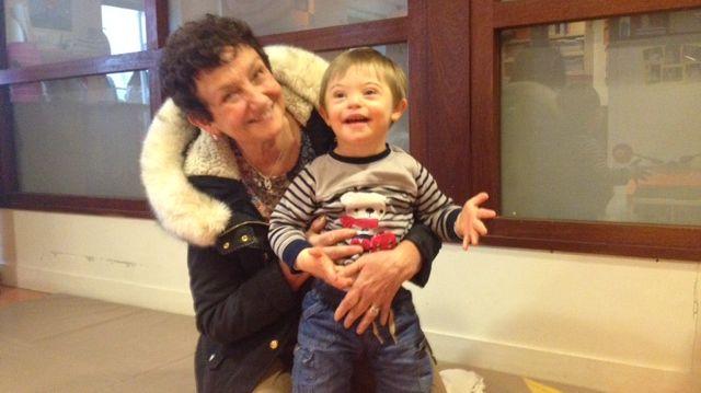 Noah et sa grand-mère Brigitte