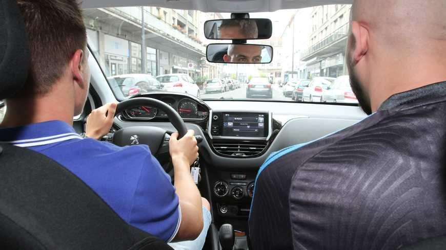 """Les inspecteurs dénoncent une """"privatisation de l'examen du code de la route"""""""