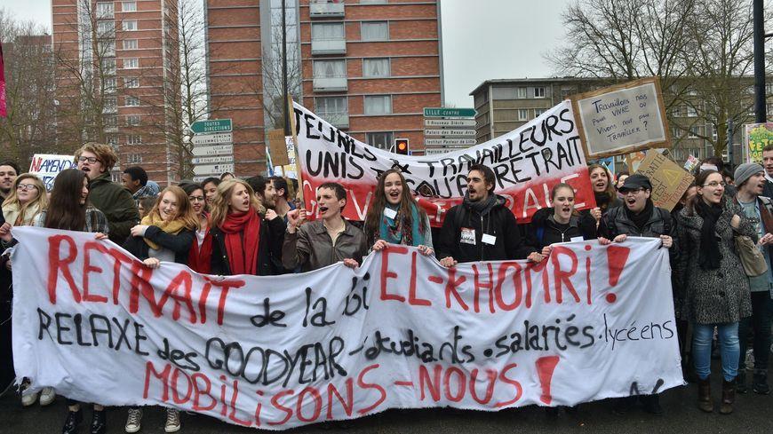 Mobilisation Contre La Loi Travail Un Quart Des Cheminots En Greve