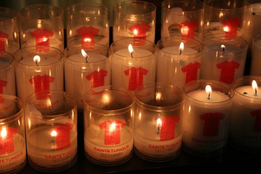 Des bougies conçues pour la Sainte Tunique