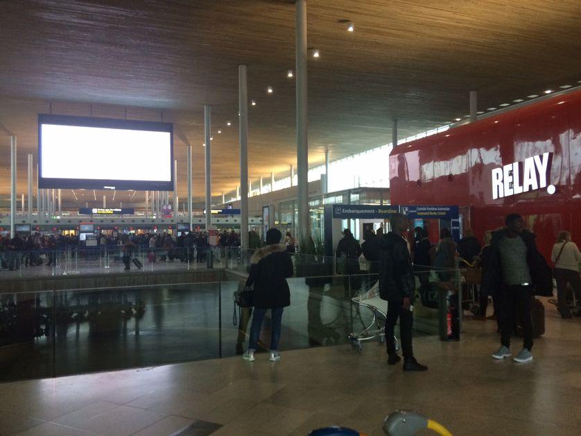 le hall de l'aéroport de Roissy