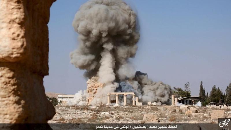 Destruction du site antique de Palmyre par Daesh en août 2015.