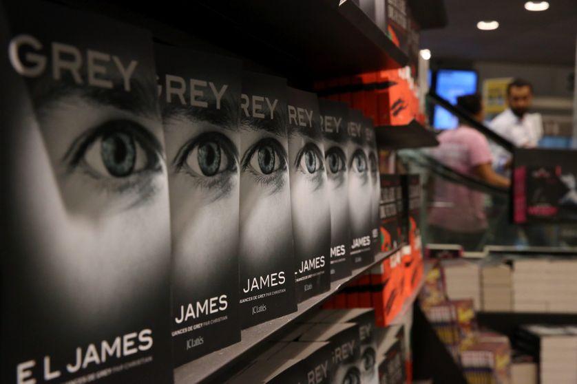 """Fnac du Forum des Halles à la sortie du 4ème tome de """"50 nuances de Grey"""""""