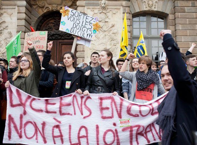 Des centaines de jeunes ont défilé comme ici à Rennes.