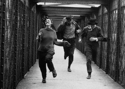 ©Raymond Cauchetier Jules et Jim (1961) Réalisateur : François Truffaut ; Henri Serre - Jeanne Moreau - Oskar Werner