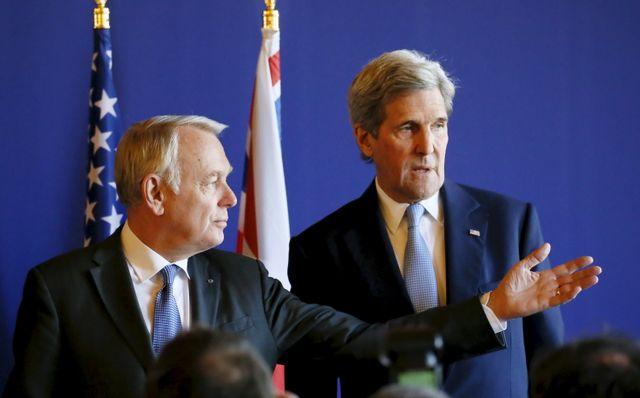 Jean-Marc Ayrault et son homologue américain John Kerry