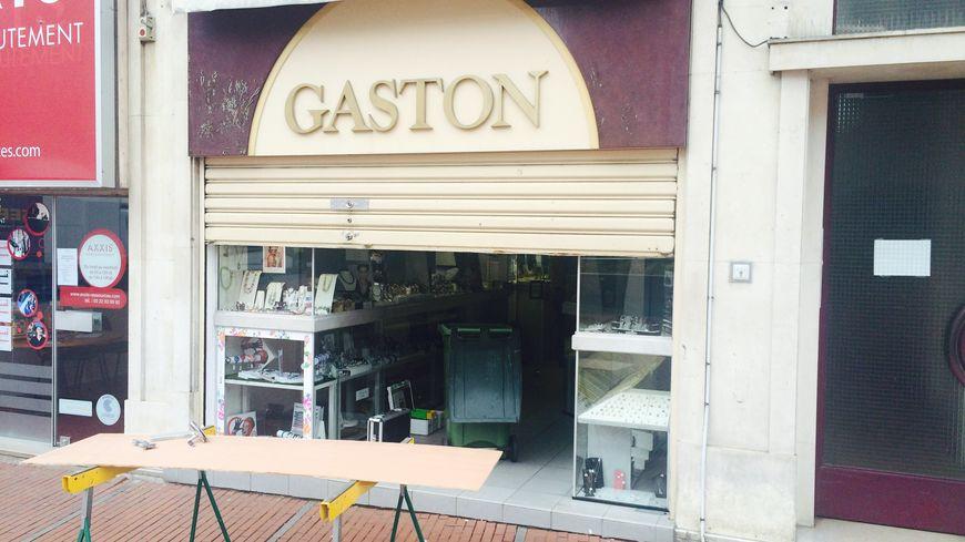 plus grand choix de chercher pourtant pas vulgaire La bijouterie Gaston d'Amiens braquée en plein jour