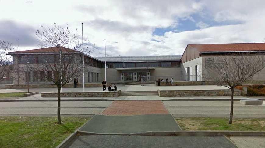 Le lycée Léonard de Vinci à Monistrol fait partie des lycées test
