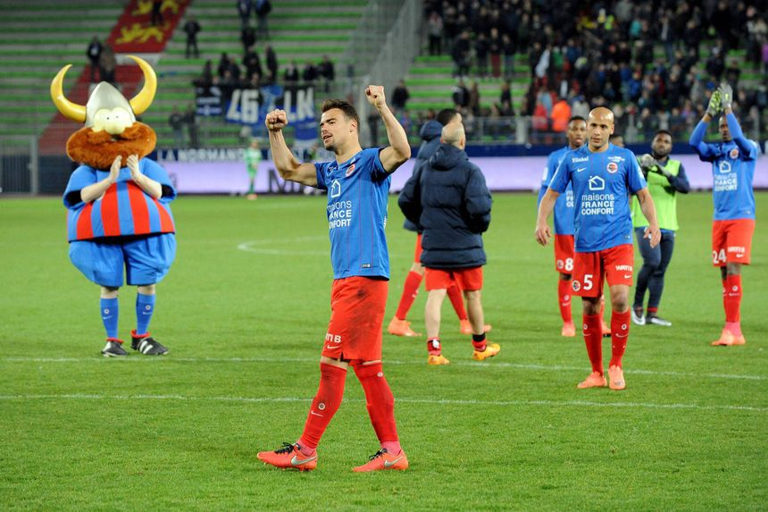 Damien Da Silva célèbre les 6 points engrangés sur 6 possibles contre Troyes.