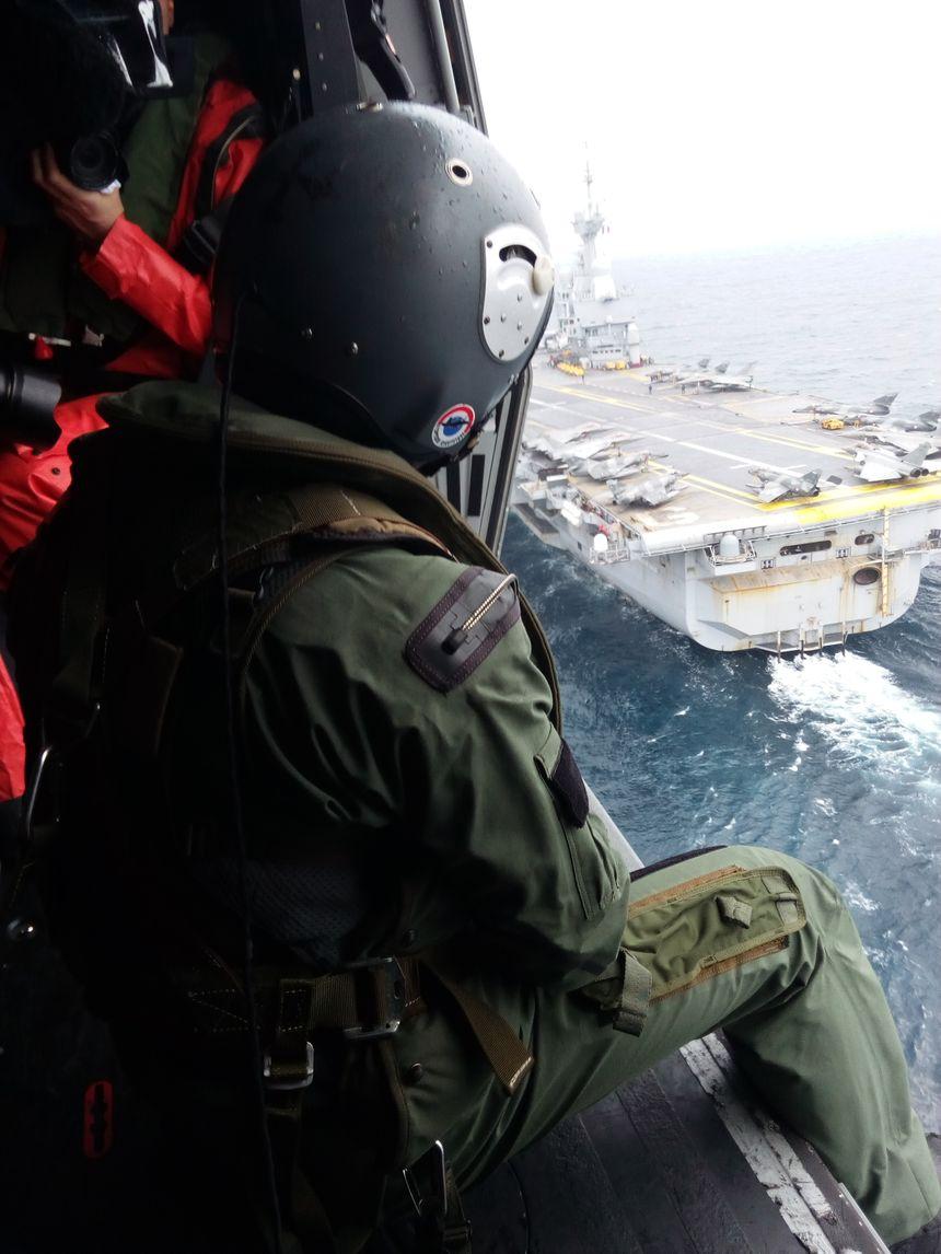 L'arrivée du porte-avions à Toulon