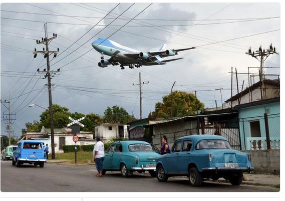 Photo aterrissage Obama à Cuba