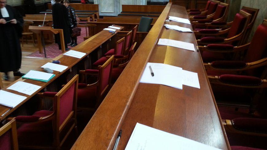 Le box des jurées de la cour d'assises de Pau