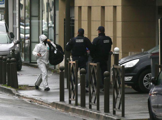 Barrage de police menant à l'immeuble d'Argenteuil où a été interpellé Reda K.