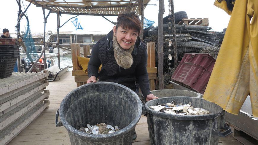 Martine Chéa, ostréicultrice qui participe à la collecte