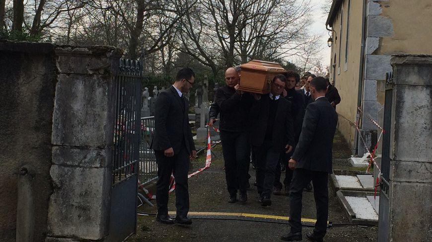 Environ 400 personnes ont assisté aux obsèques d'André Lestorte