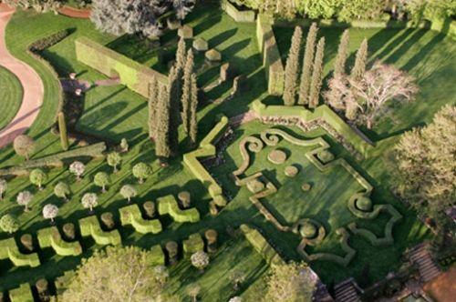 les jardins à la francaise du Manoir d'Eyrignac