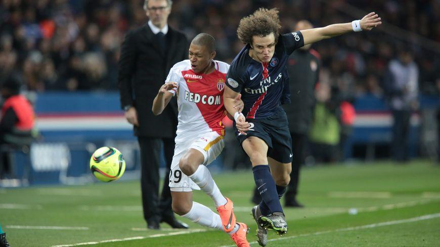 David Luiz et ses co-équipiers se sont inclinés 2 à 0 devant Monaco 2103-2015