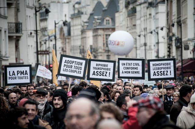 Manifestation du 16 décembre dans les rues de Paris en faveur du mariage pour tous