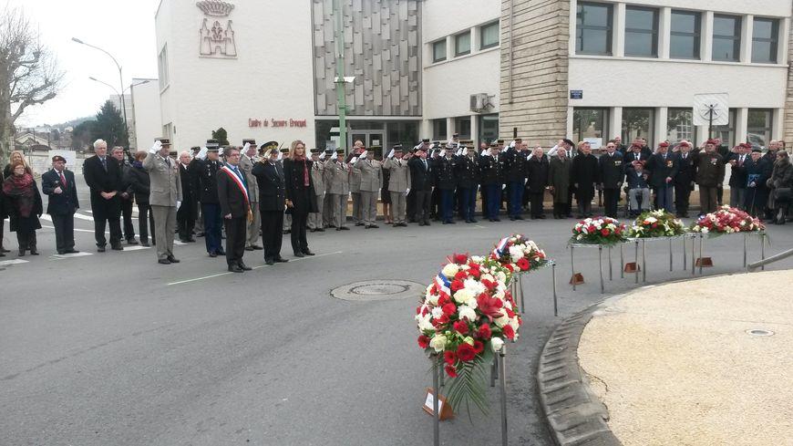 Une soixantaine de personnes s'étaient réunies pour rendre hommage au soldat.