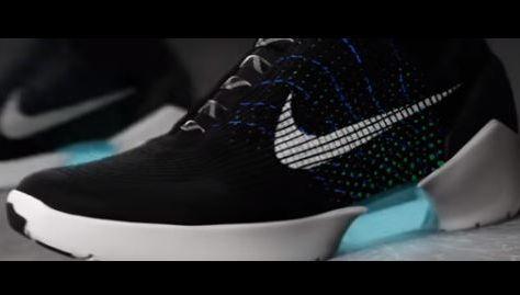 Nike lance la première basket qui se lace toute seule