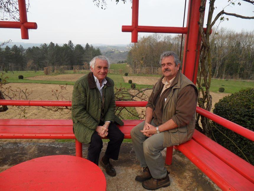 Patrick Sermadiras, propriétaire  et Laurent Chabane, chef jardinier