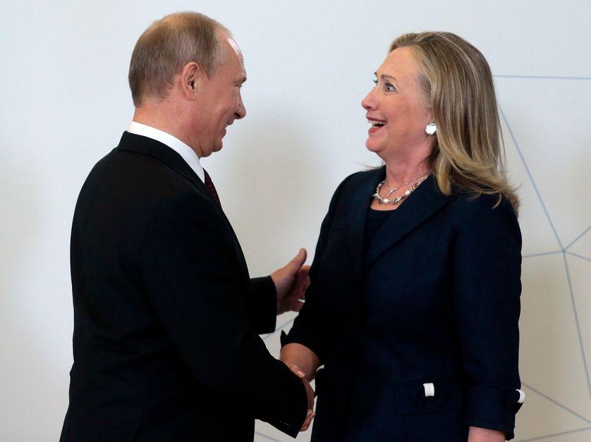 Vladimir Poutine et Hillary Clinton, alors Secrétaire d'état américaine