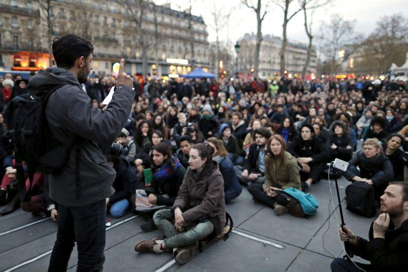 """Le mouvement """"Nuit debout"""" à Paris, Place de la République, 11 avril 2016"""
