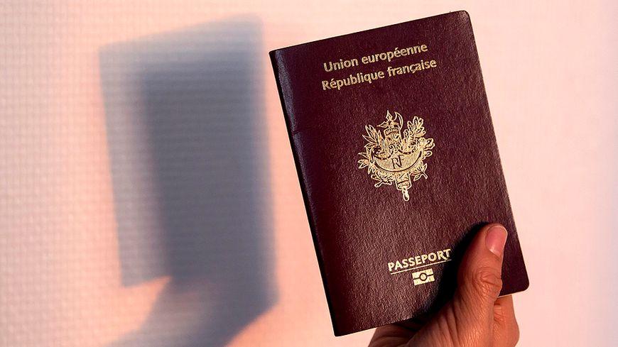 Passeport français (illustration).