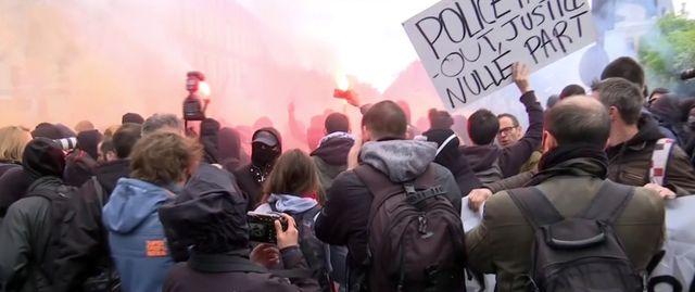 Heurts entre police et manifestants