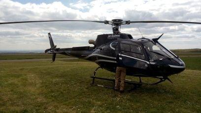 L'hélicoptère de Jet Systems de retour de mission à Darois