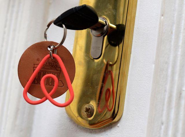 Berlin décide d'interdire les locations de logements entiers sur Airbnb