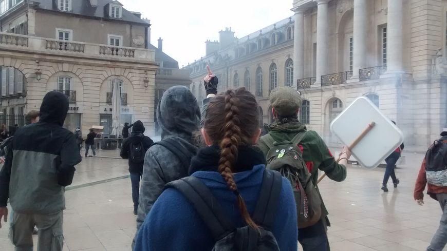Beaucoup de tension hier à la fin de la manifestation à Dijon