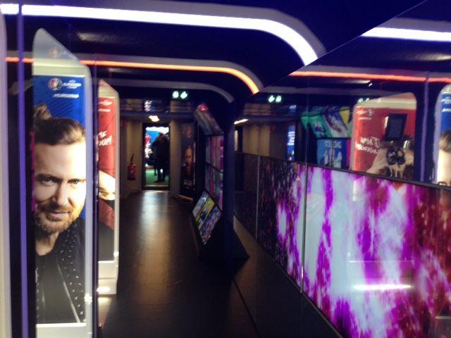 Chanter avec David Guetta dans le Train de l'Euro