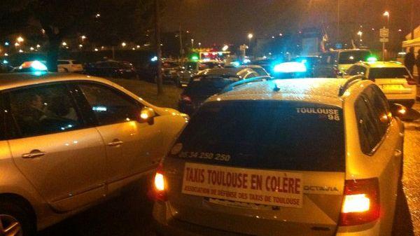 Les taxis filtrent l'accès du site Airbus de Saint Martin du Touch