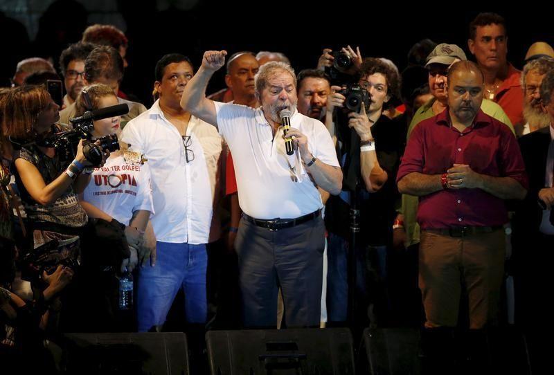 L'ancien président Lula à Rio lors d'un rassemblement de soutien à Dilma Roussef