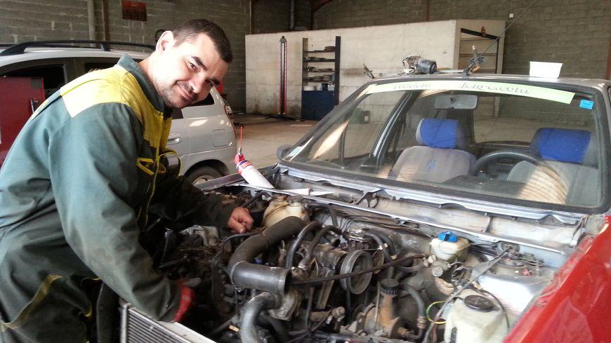Un garage solidaire a ouvert saint maixent l 39 ecole for Garage 4x4 saint sauves d auvergne