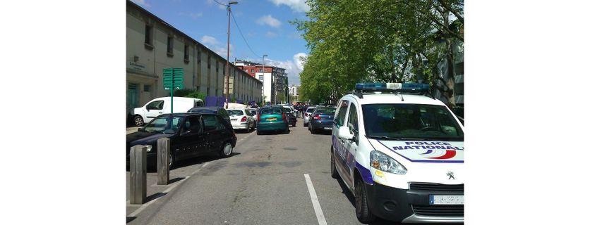 La quartier Teisseire, bouclé après la fusilllade, à Grenoble (25-04-16)