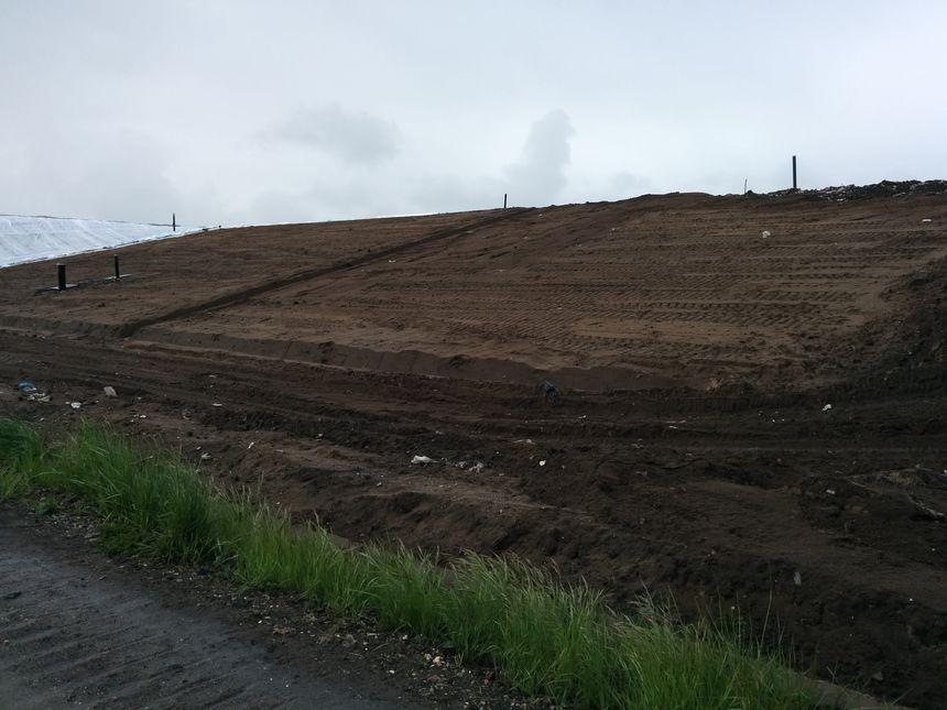 Il faut enlever et recouvrir 20 hectares de terre