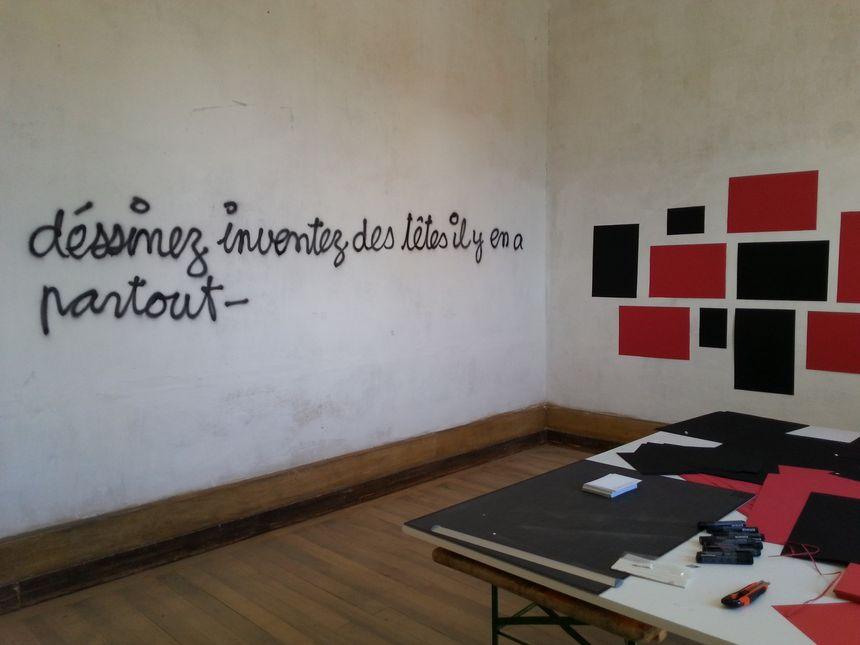 Les enfants vont pouvoir dessiner sur les murs.