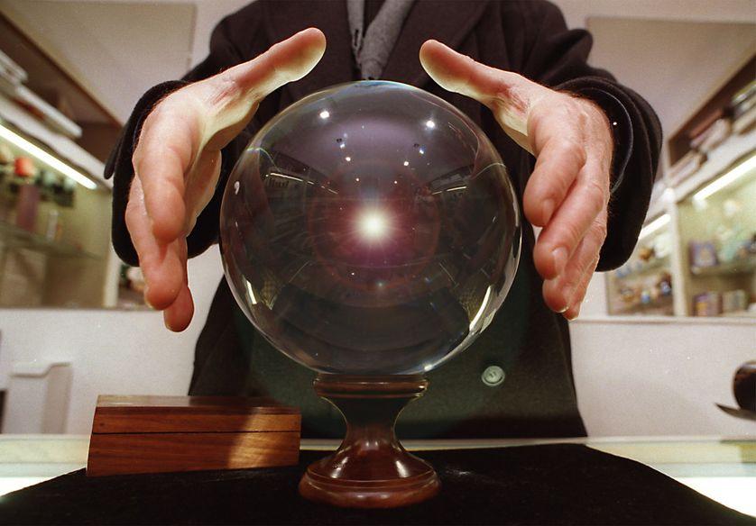 Voyance, boule de cristal