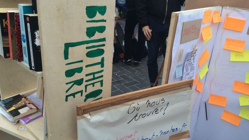 La Nuit Debout de Nantes veut partager la parole et les savoirs.