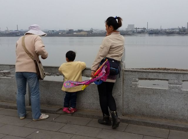 Des touristes chinois à la frontière nord-coréenne.