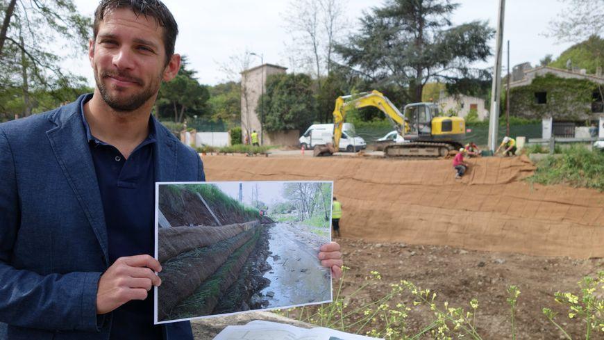 Cédric Cheneval, du SIAQUEBA, devant l'un des chantiers sur la Brague