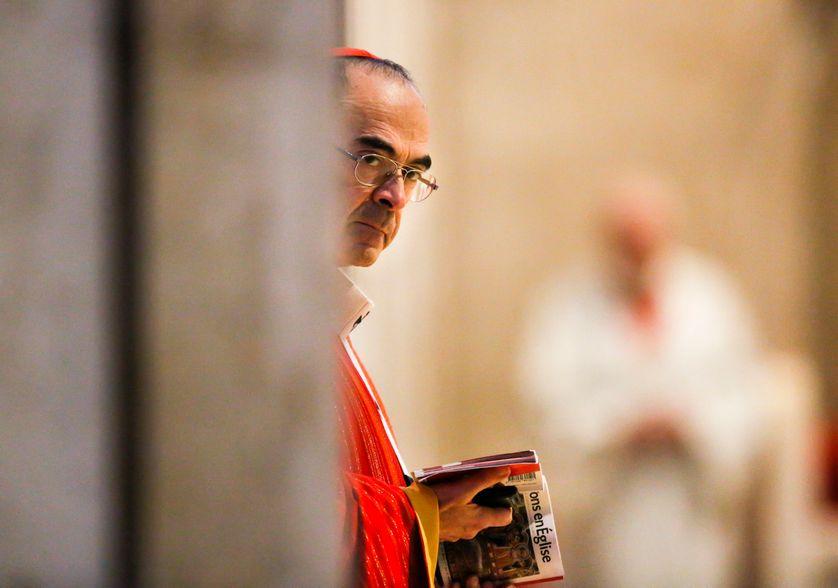 Le cardinal Barbarin, face aux scandales de pédophilie dans le diocèse de Lyon