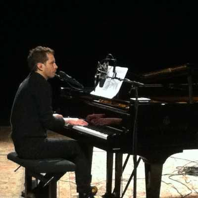 Alex beaupain, au piano