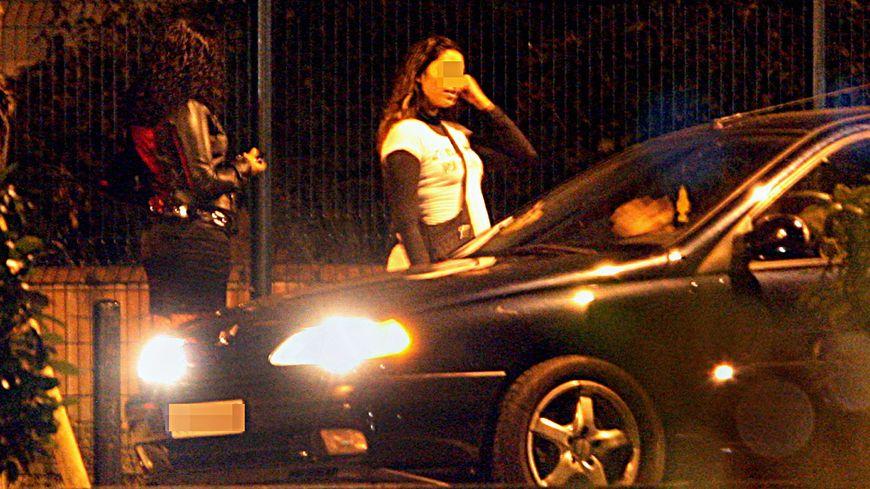 Il y a entre 30.000 et 40.000 prostituées en France
