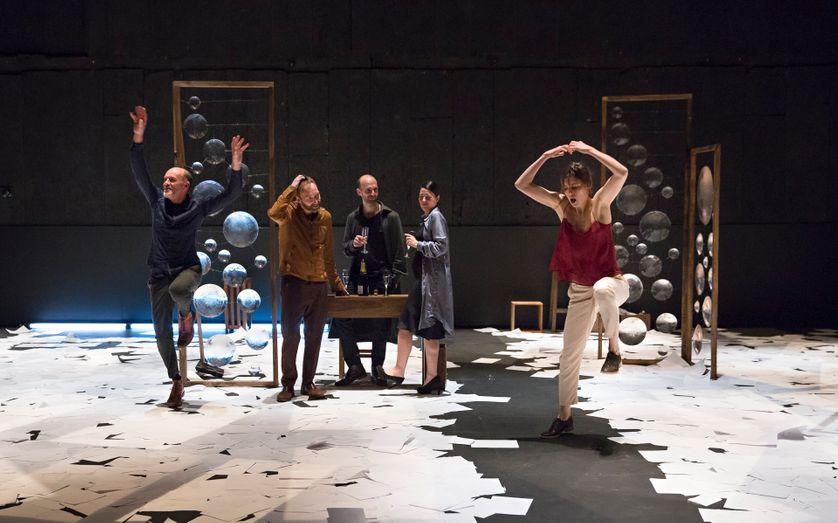 """Représentation de """"Bovary"""" au Théâtre de la Bastille"""